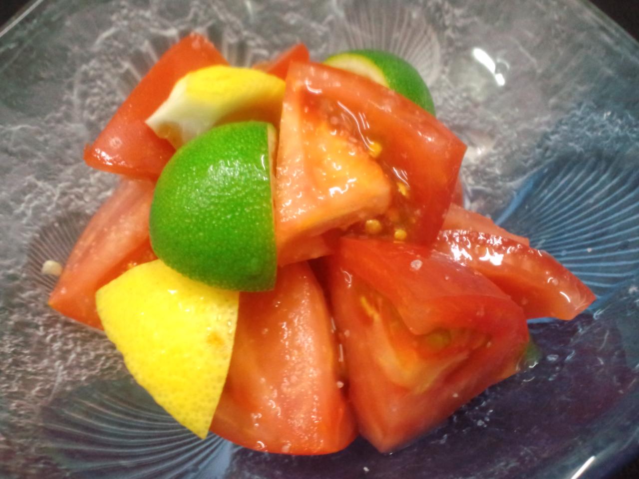 さっぱりメニュー、トマトのサラダ。